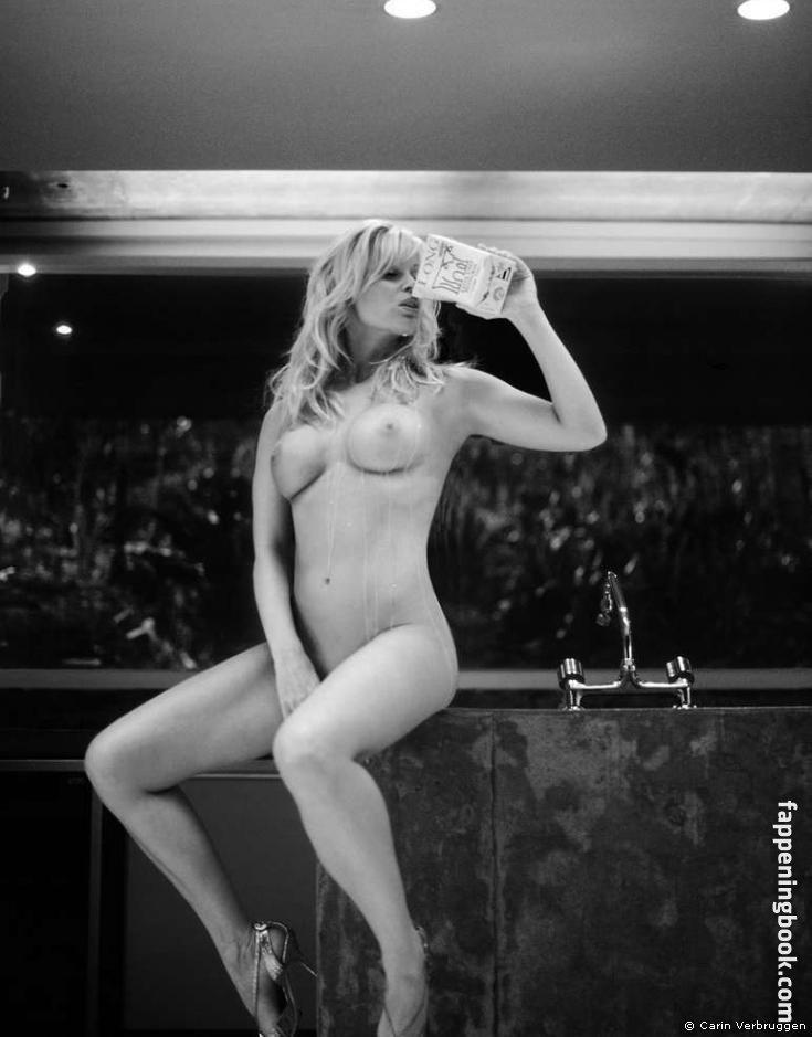 Elizabeth Chevalier  nackt