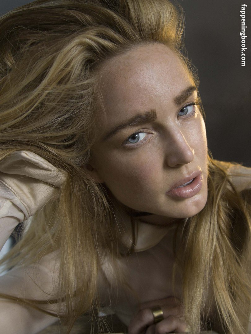 Caity Lotz Nude, Sexy, The Fappening, Uncensored - Photo
