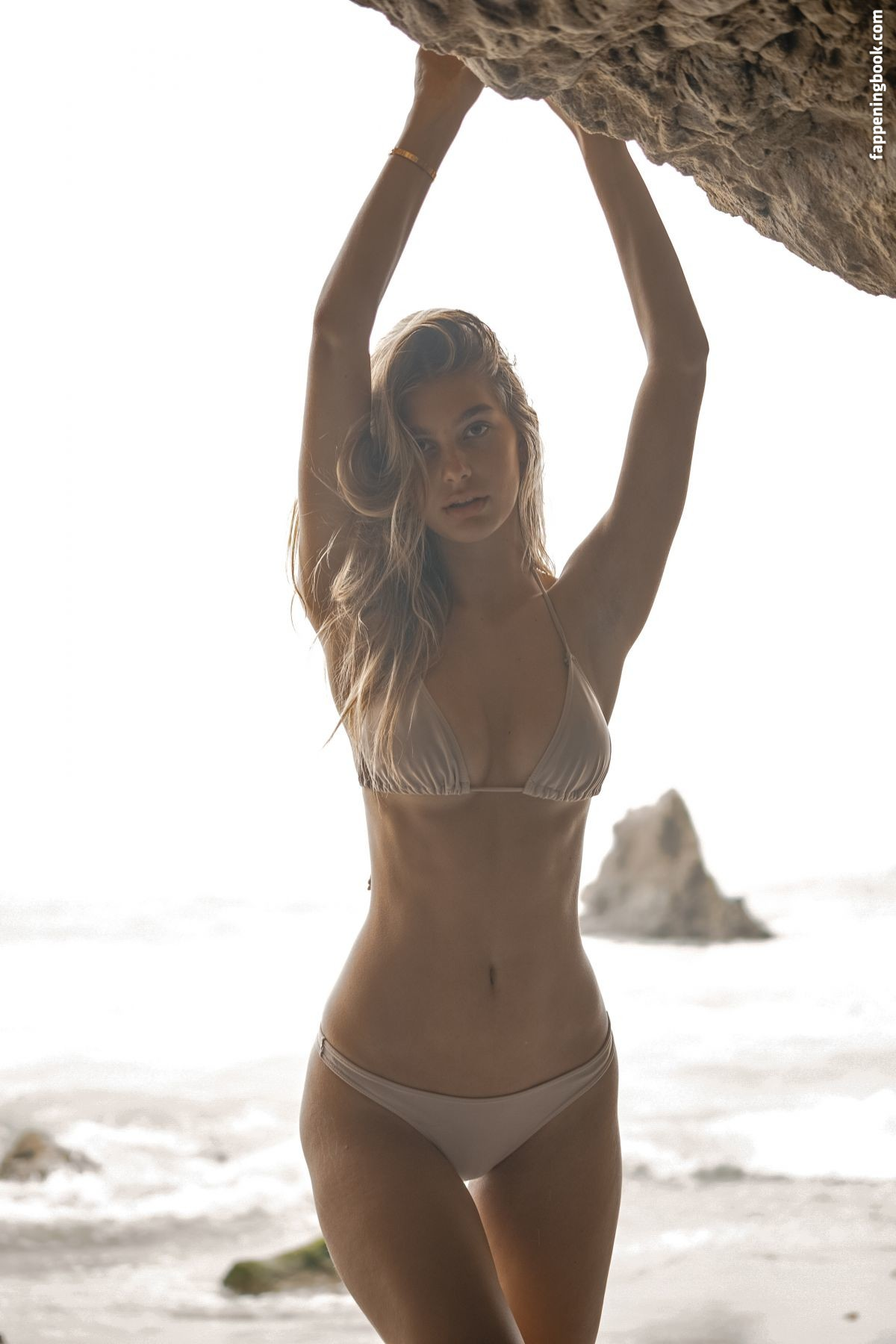 Nude camila morrone Stunning Pics