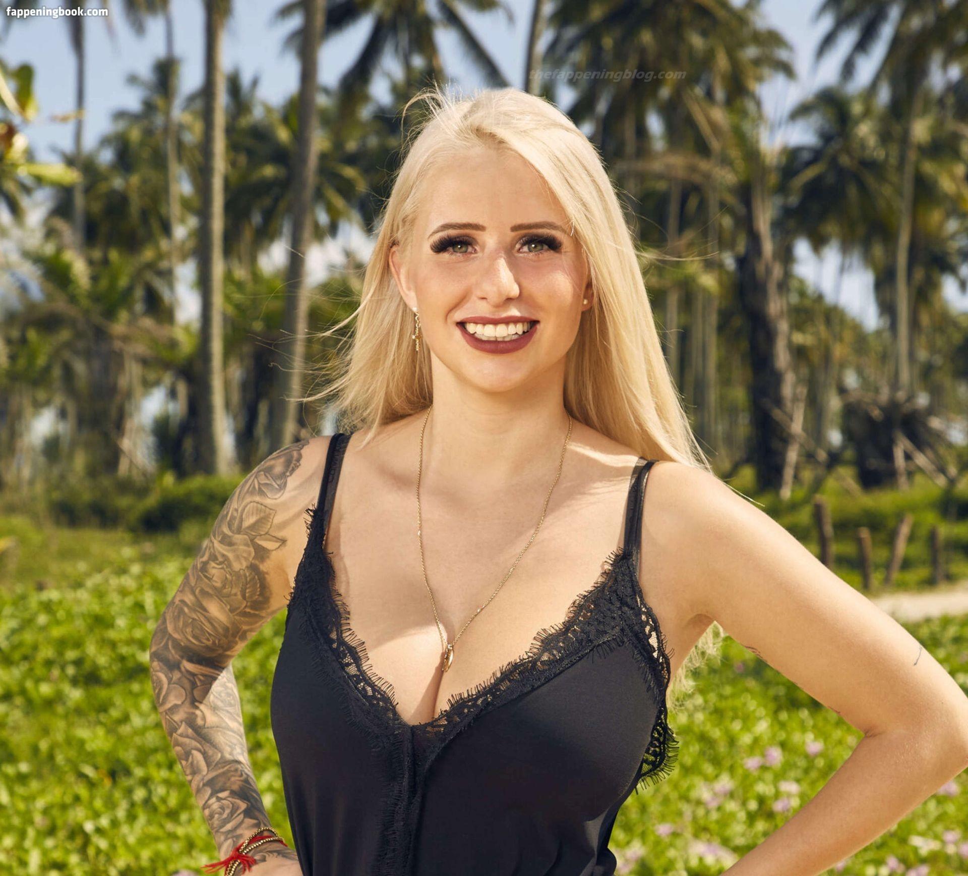 Naomi Vondell  nackt
