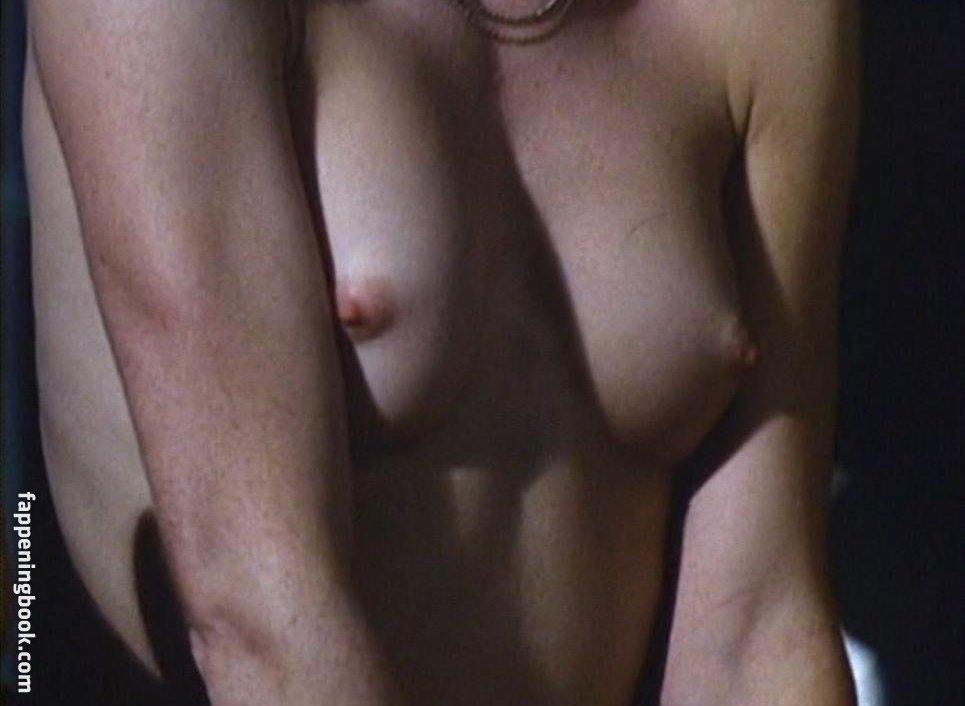 Carol Drake  nackt