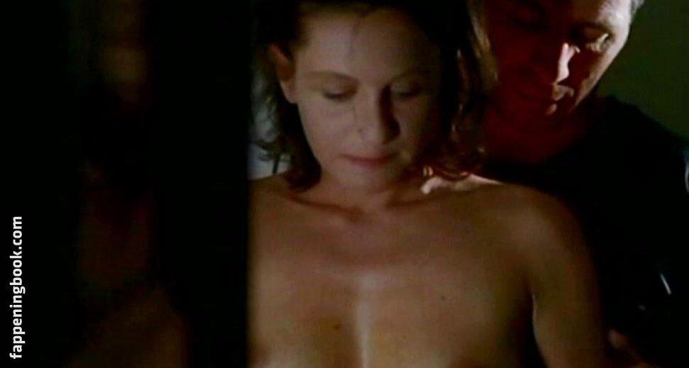 Nackt Caroline Baehr  Is Caroline