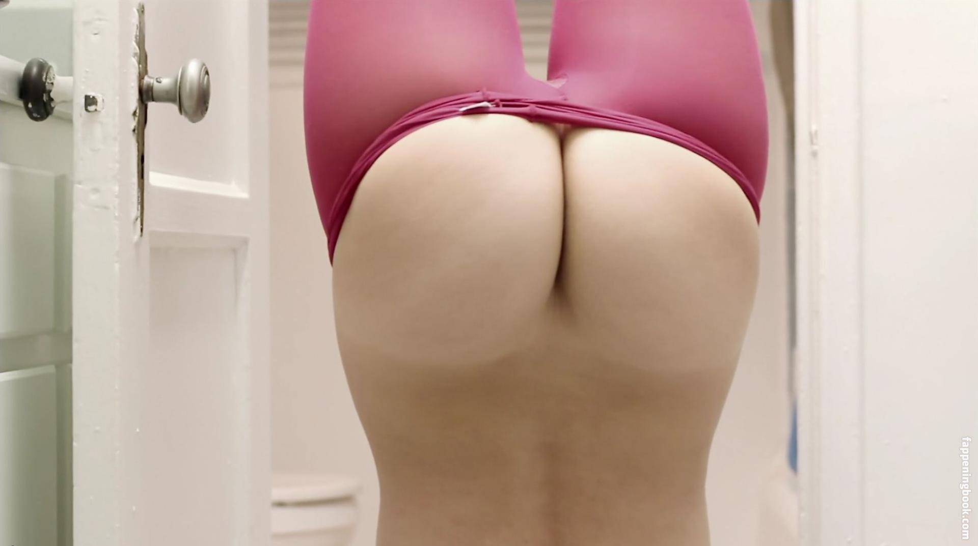 Caroline White Nude