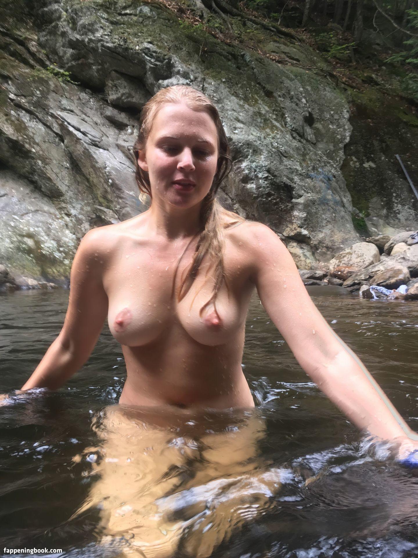 Casie Sloan Nude