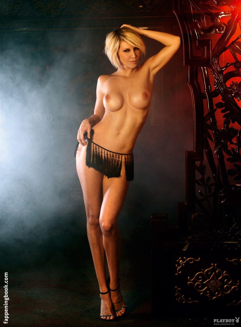 Nackt lady manja Hot Manja