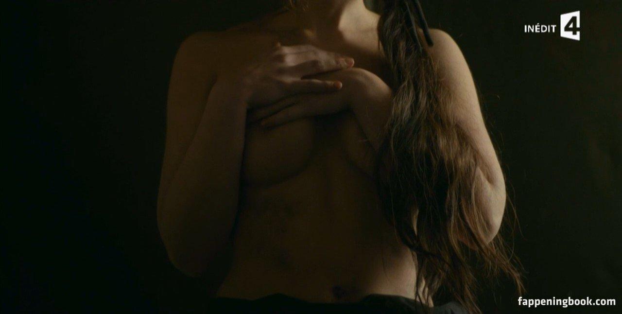 Chantal nackt Degroat Chantal Degroat