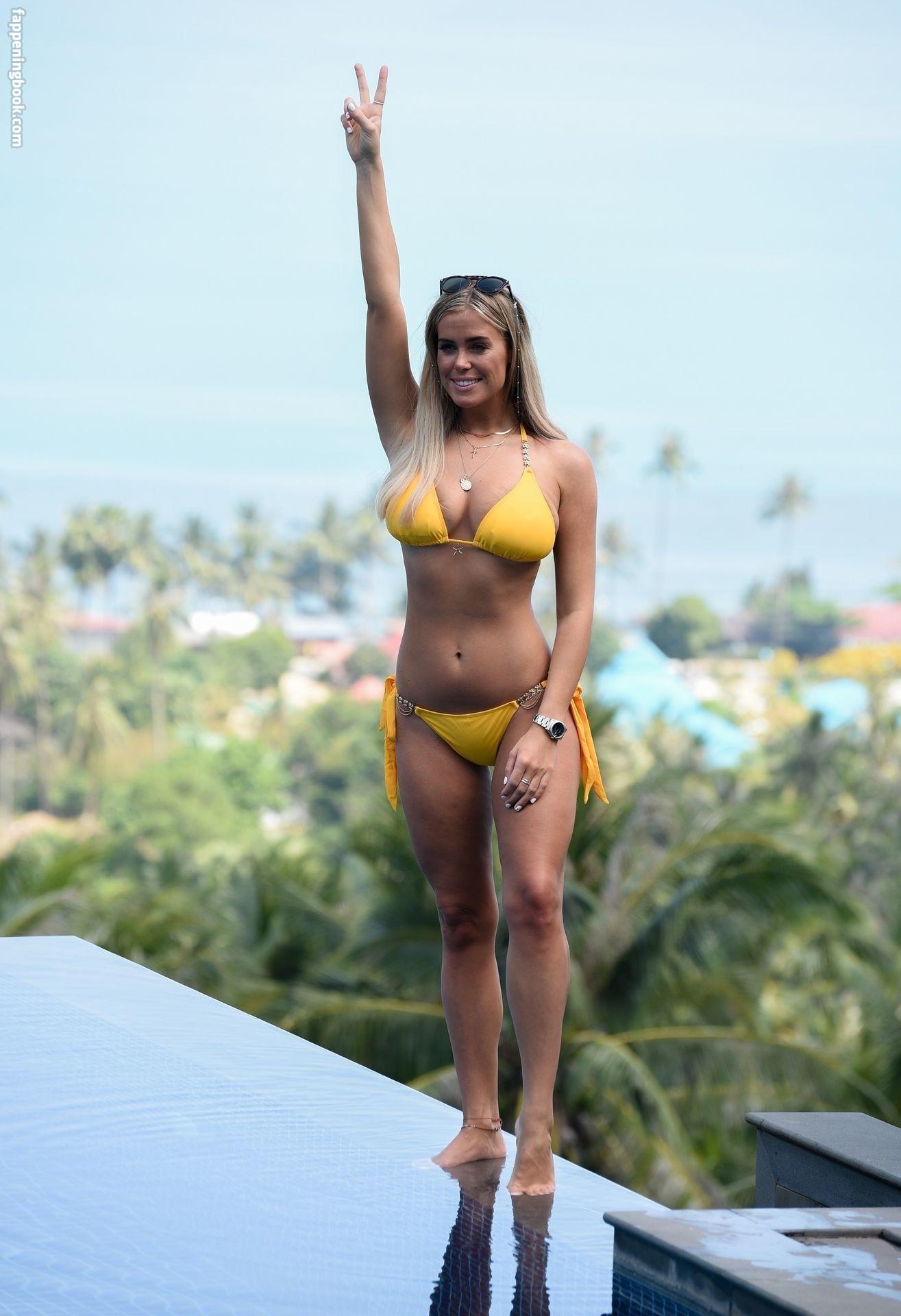 Chloe Meadows Nude