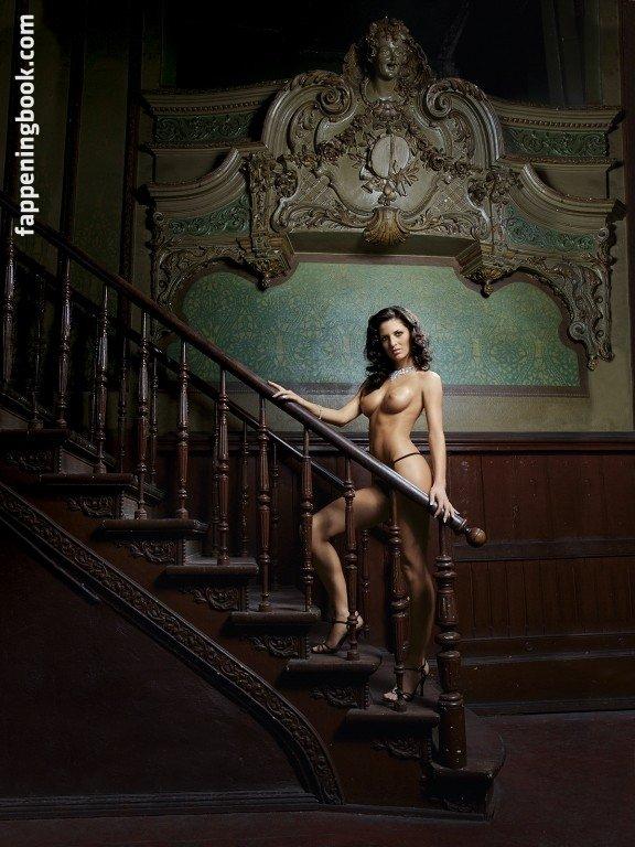 Charli xcx naked