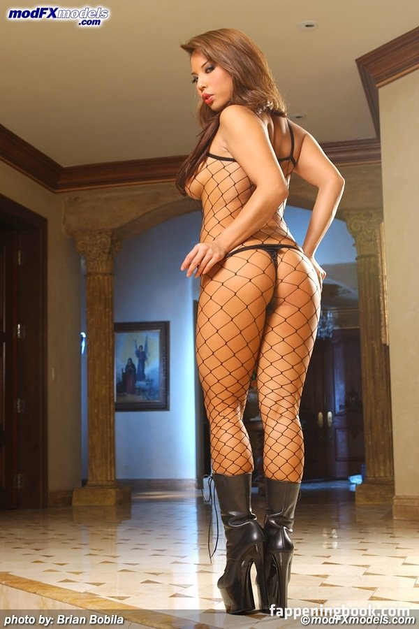 Christine Mendoza  nackt