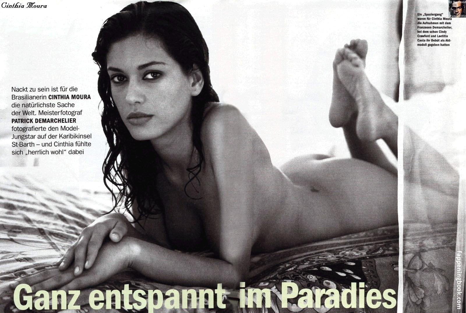Elizabeth nackt Bogush Beth Behrs