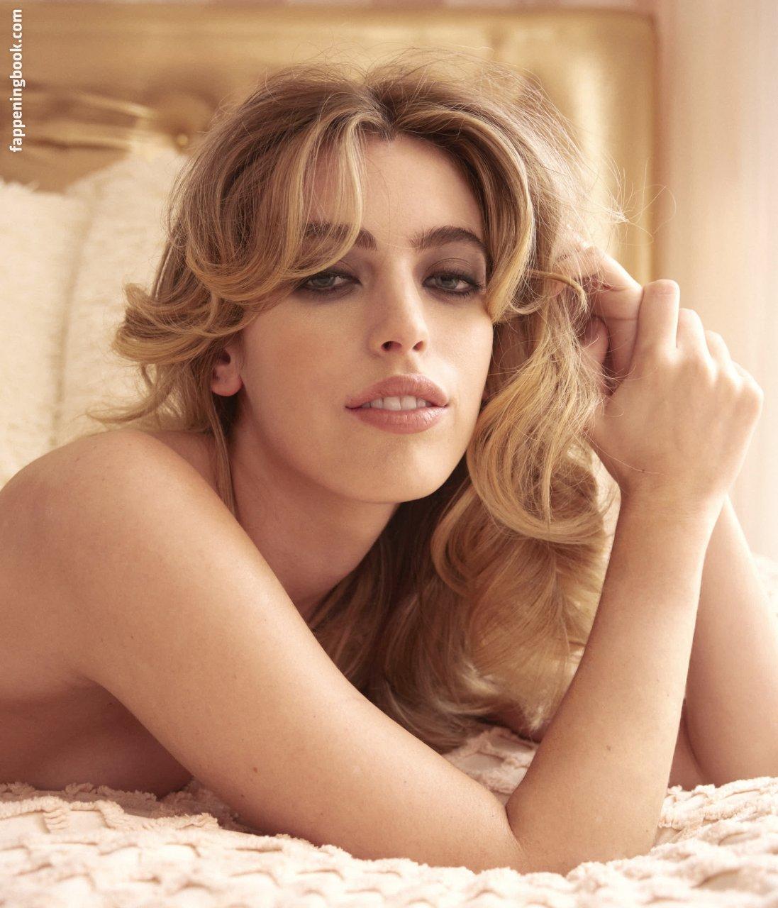Clara McGregor Nude
