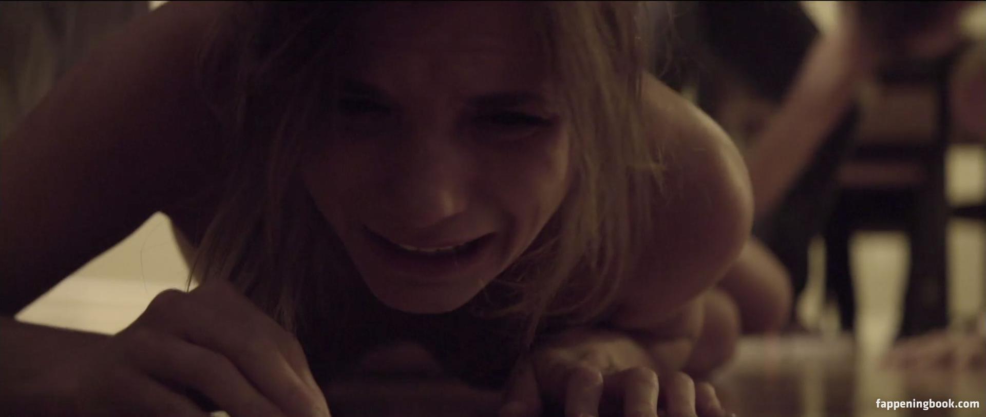 Clare Niederpruem Nude