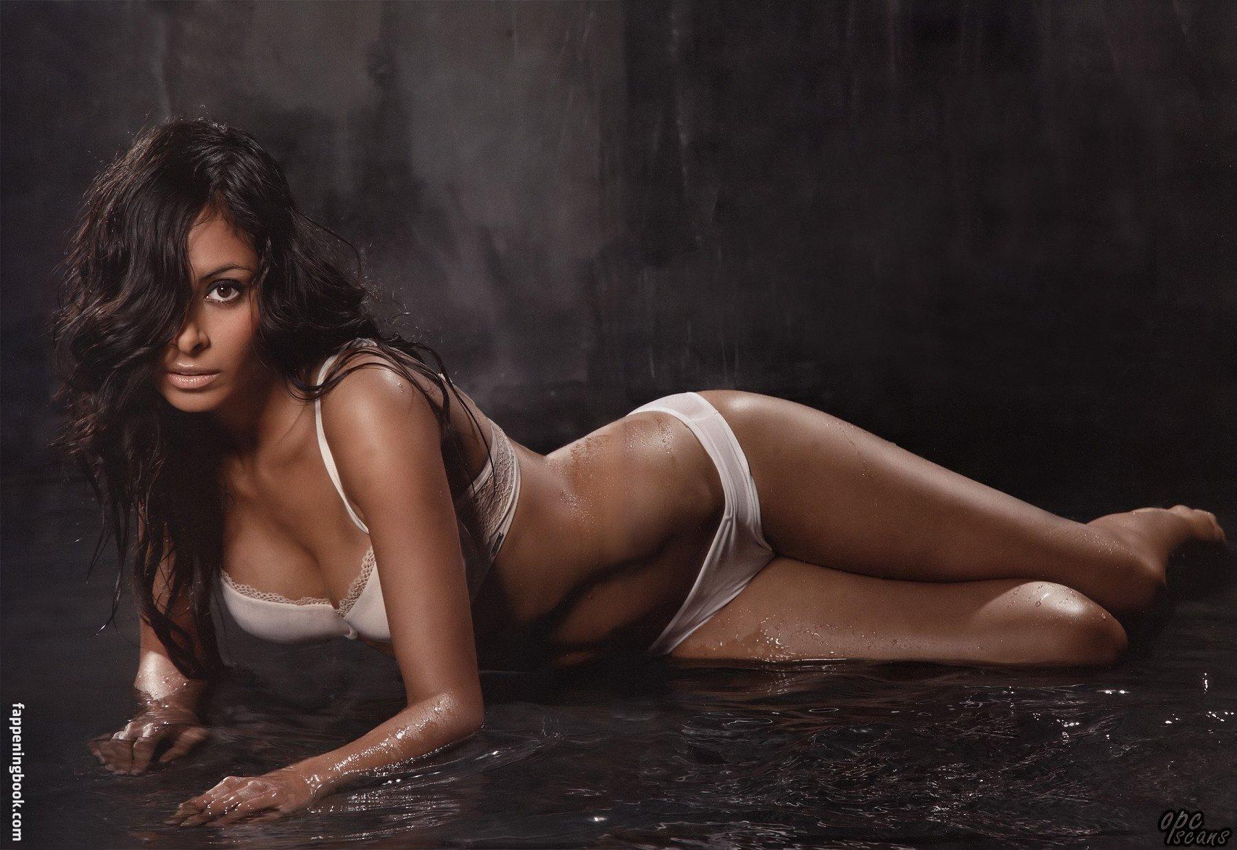Collien Ulmen Fernandes Nude, Sexy, The Fappening