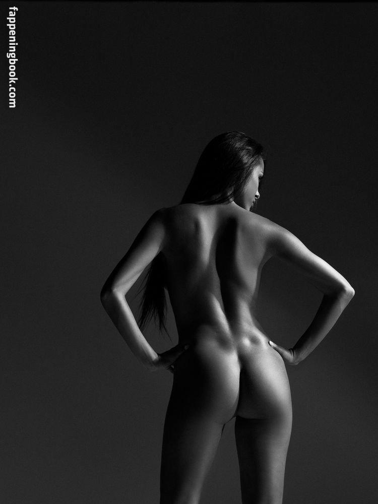 Constance Nunes Nude