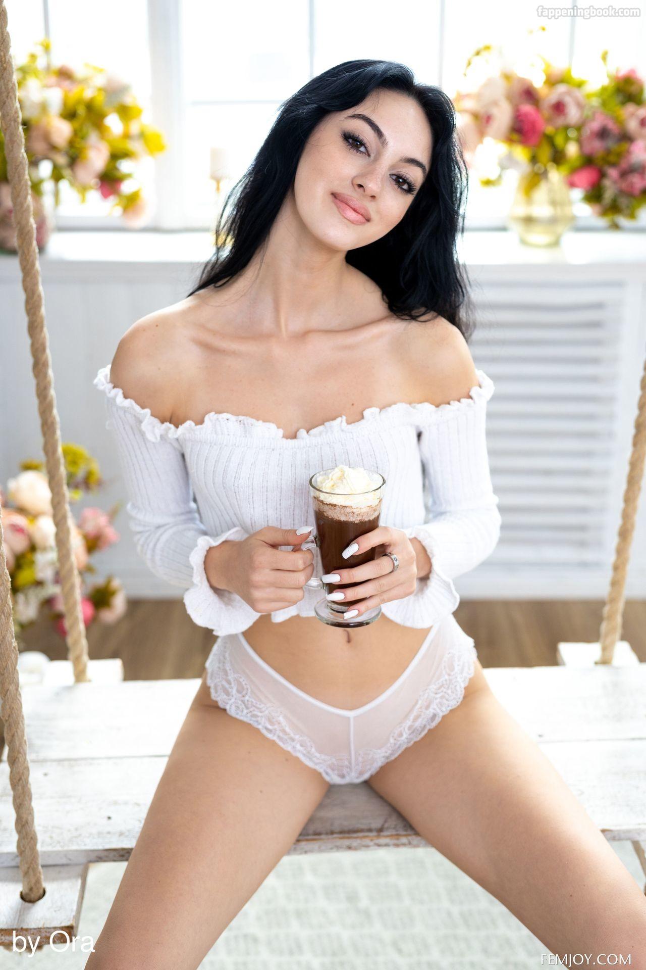 Corinna F Nude