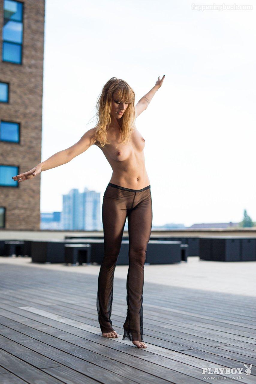 Marina Konyashkina  nackt