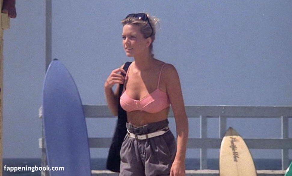 Courtney Thorne-Smith Nude