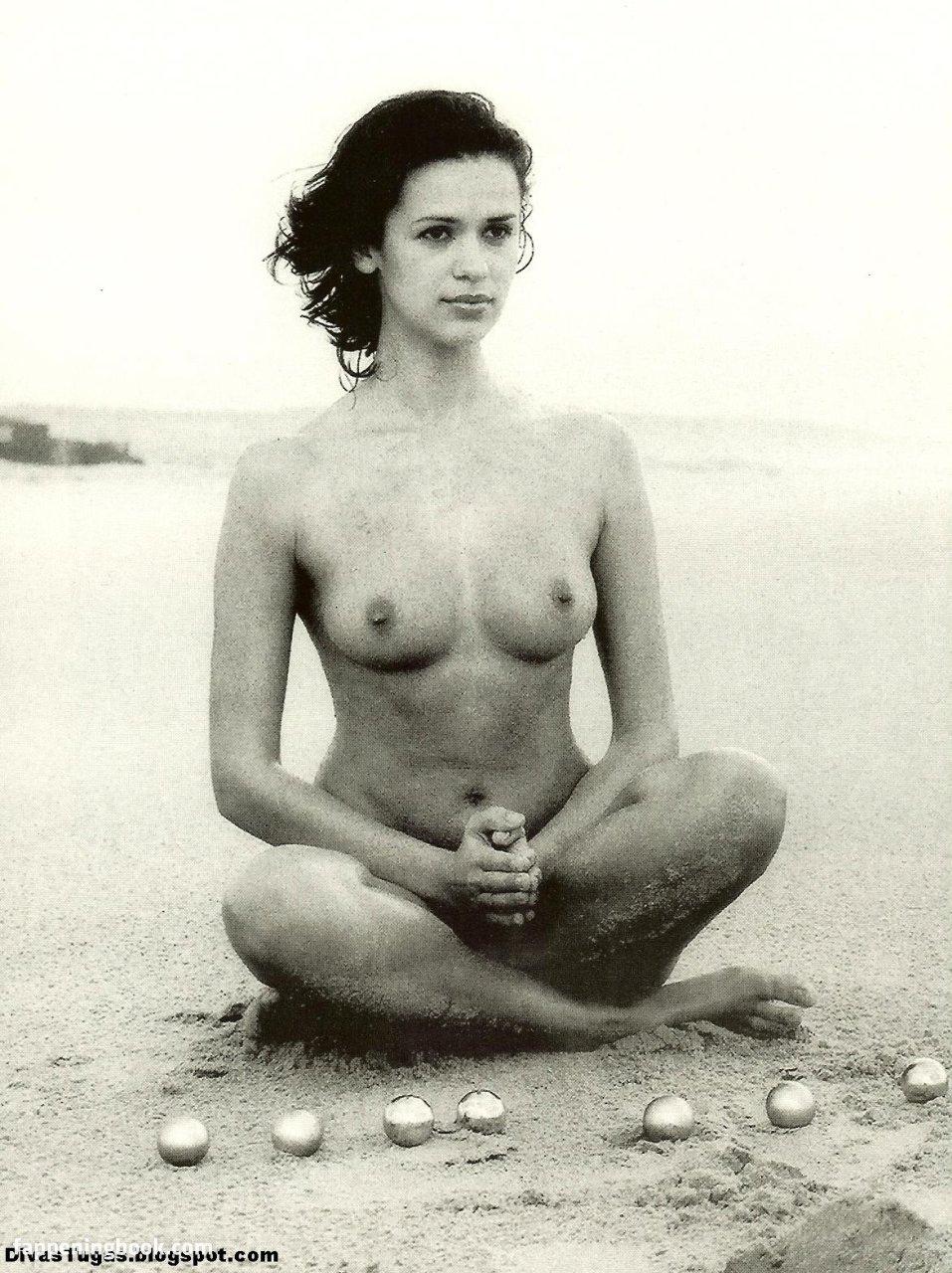 Cristina Martins  nackt