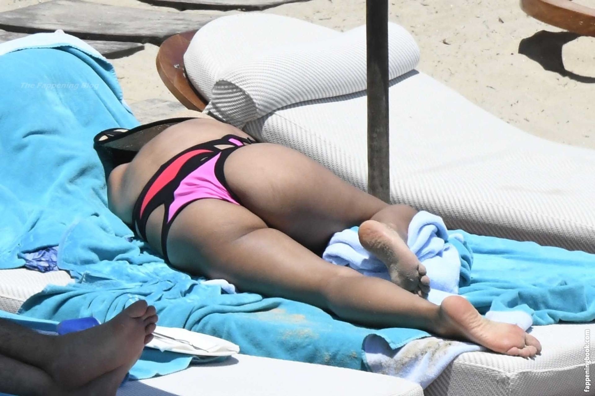 Daniella Semaan Nude