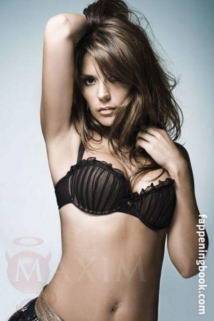 Danielle Bux Nude