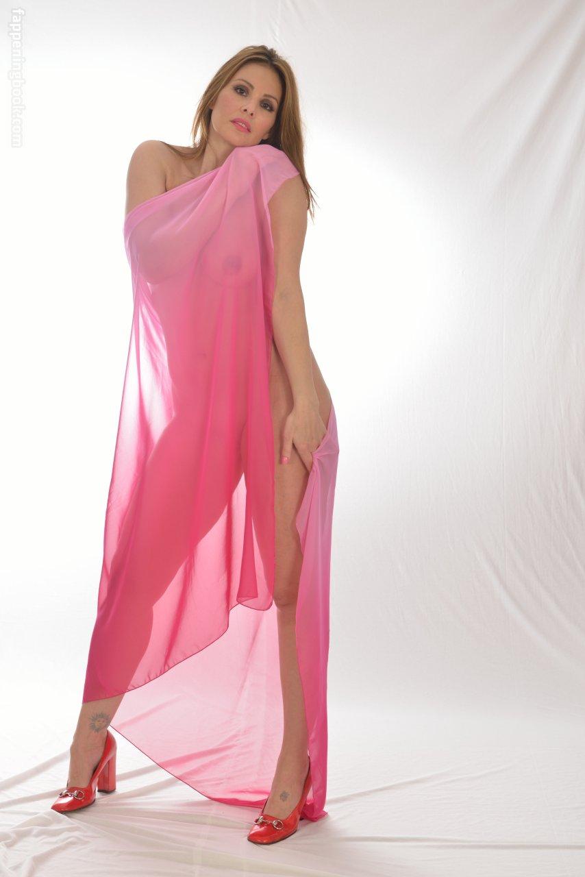 Nackt Jubaira Bachmann  Eurovision 2006