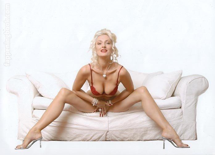 Rachel Vallori  nackt
