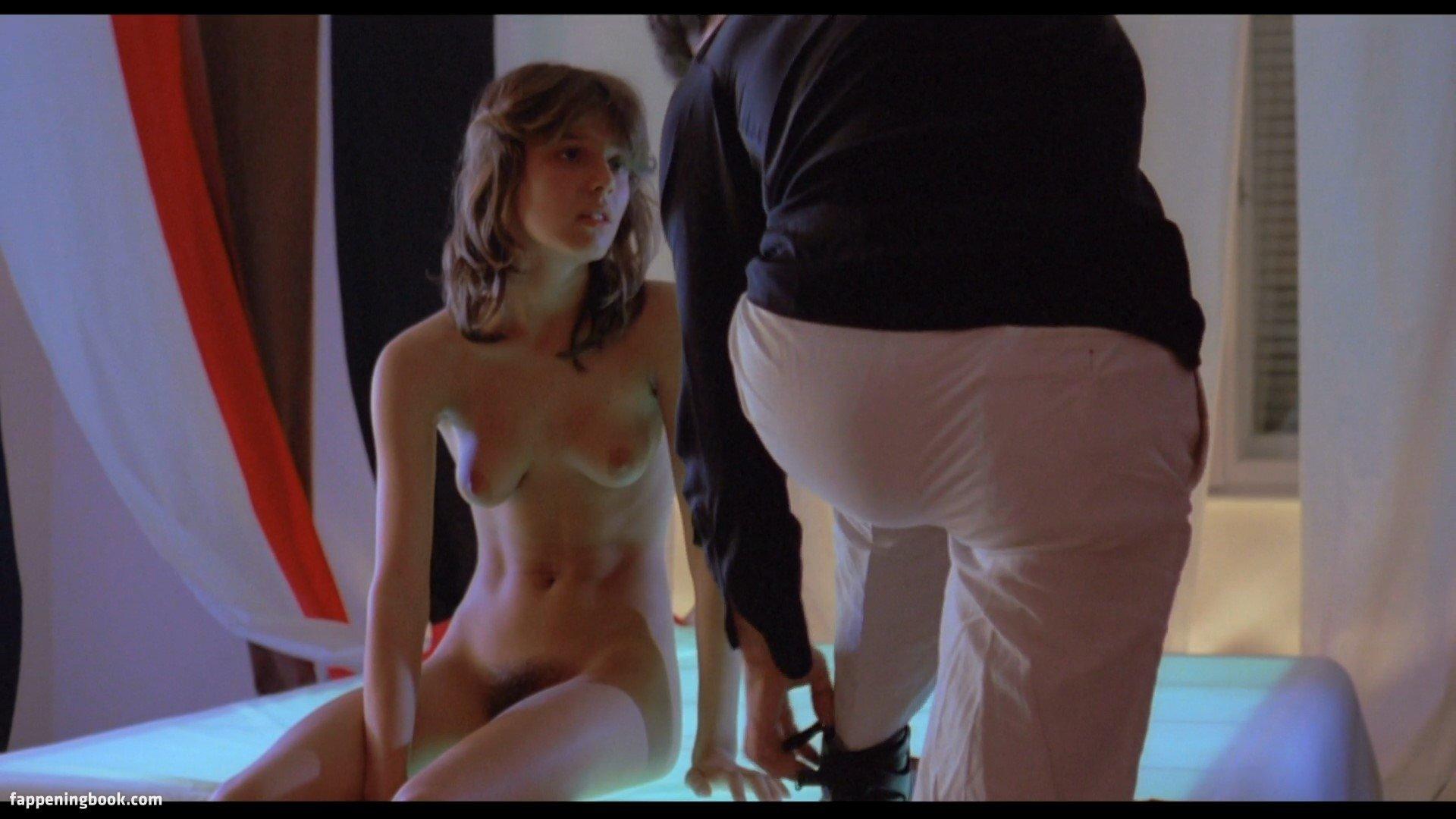 Isabelle Solar  nackt