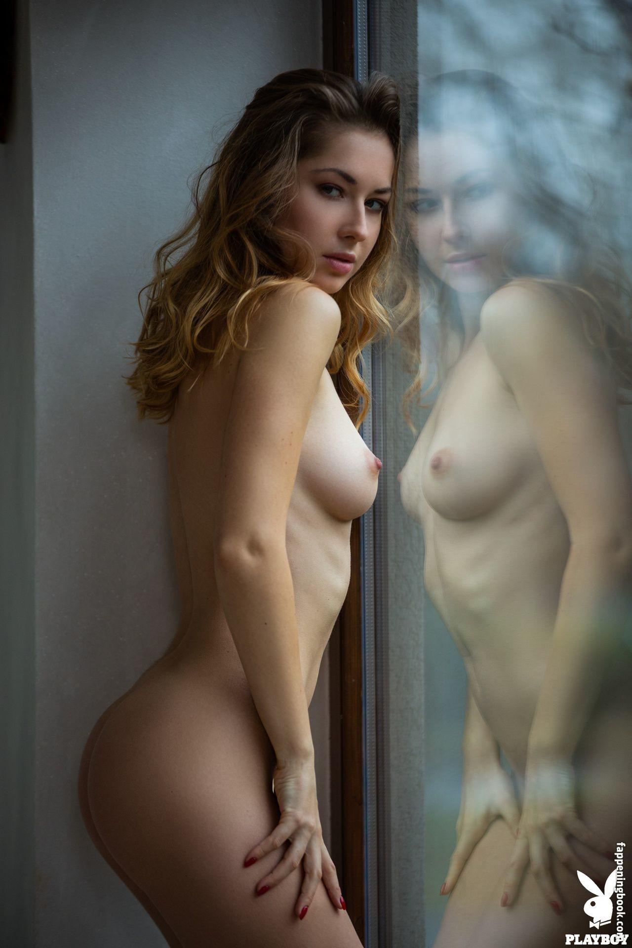Diana Lark Nude