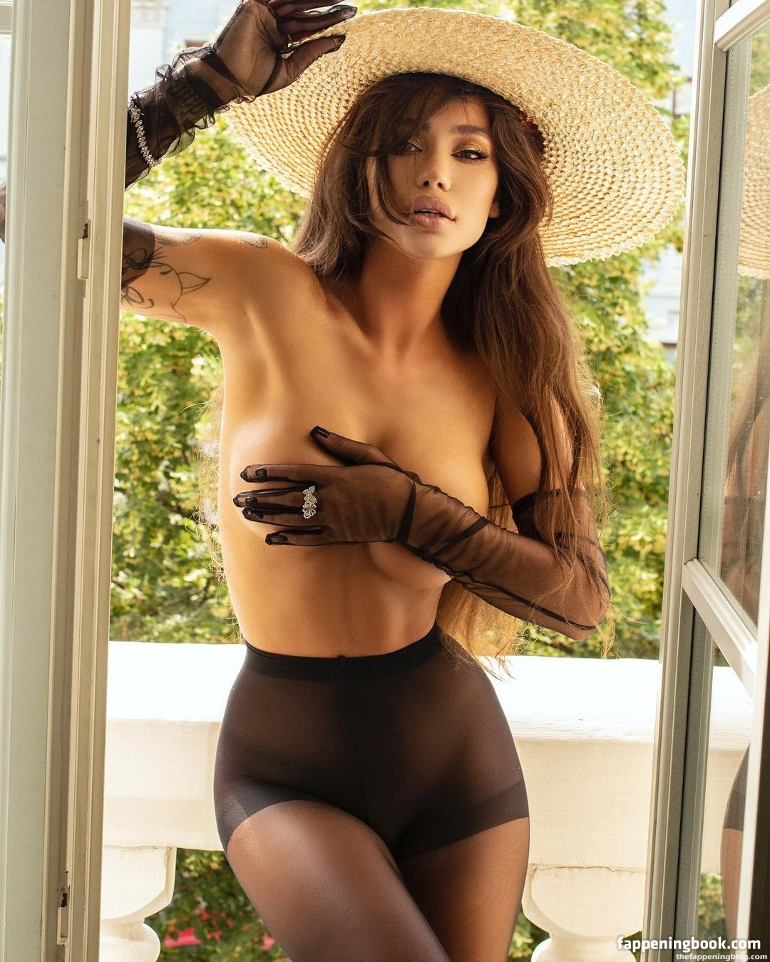 Avrillaud  nackt Samantha Samantha Avrillaud