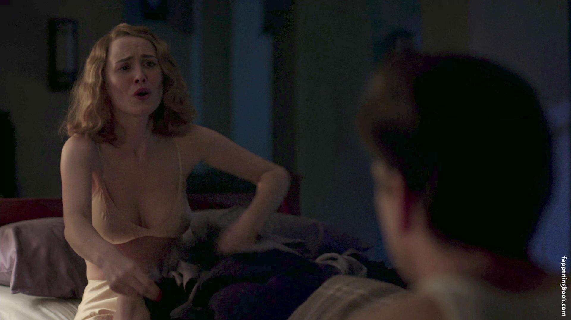Dominique Mcelligot Nude