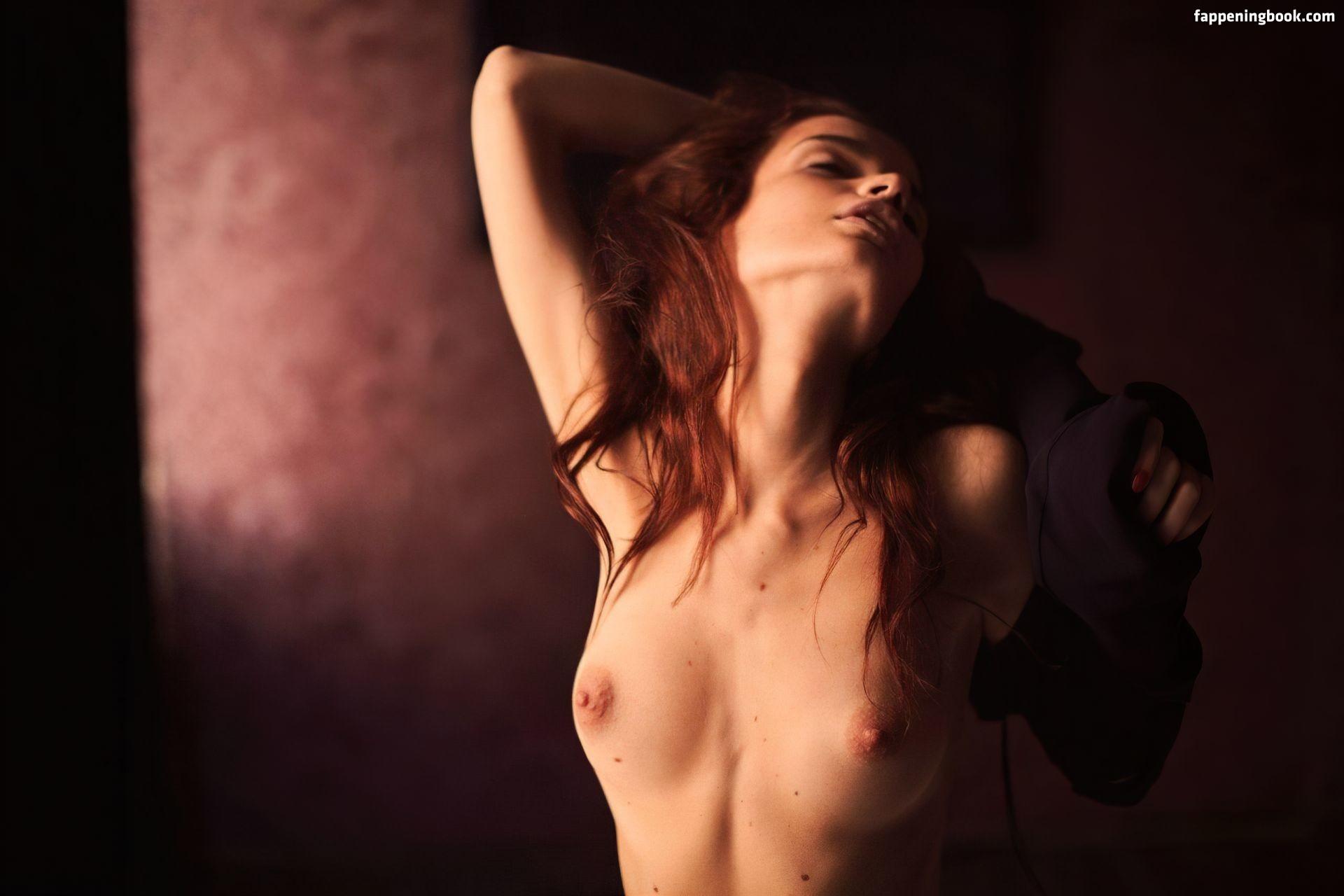 Nackt  Verena Mundhenke German actress