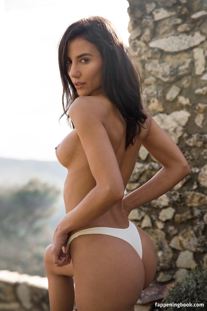 Georgina Hobor  nackt