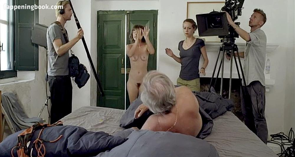 Nackt Jacqueline Peng  Nano