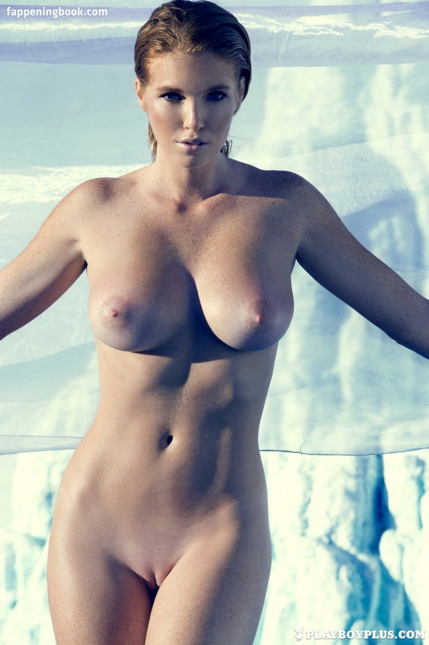 Elizabeth Mcdonald  nackt