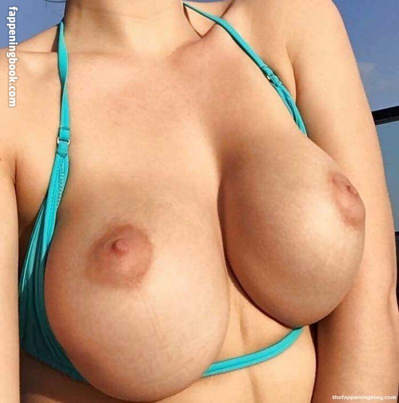 Elle Knox Nude