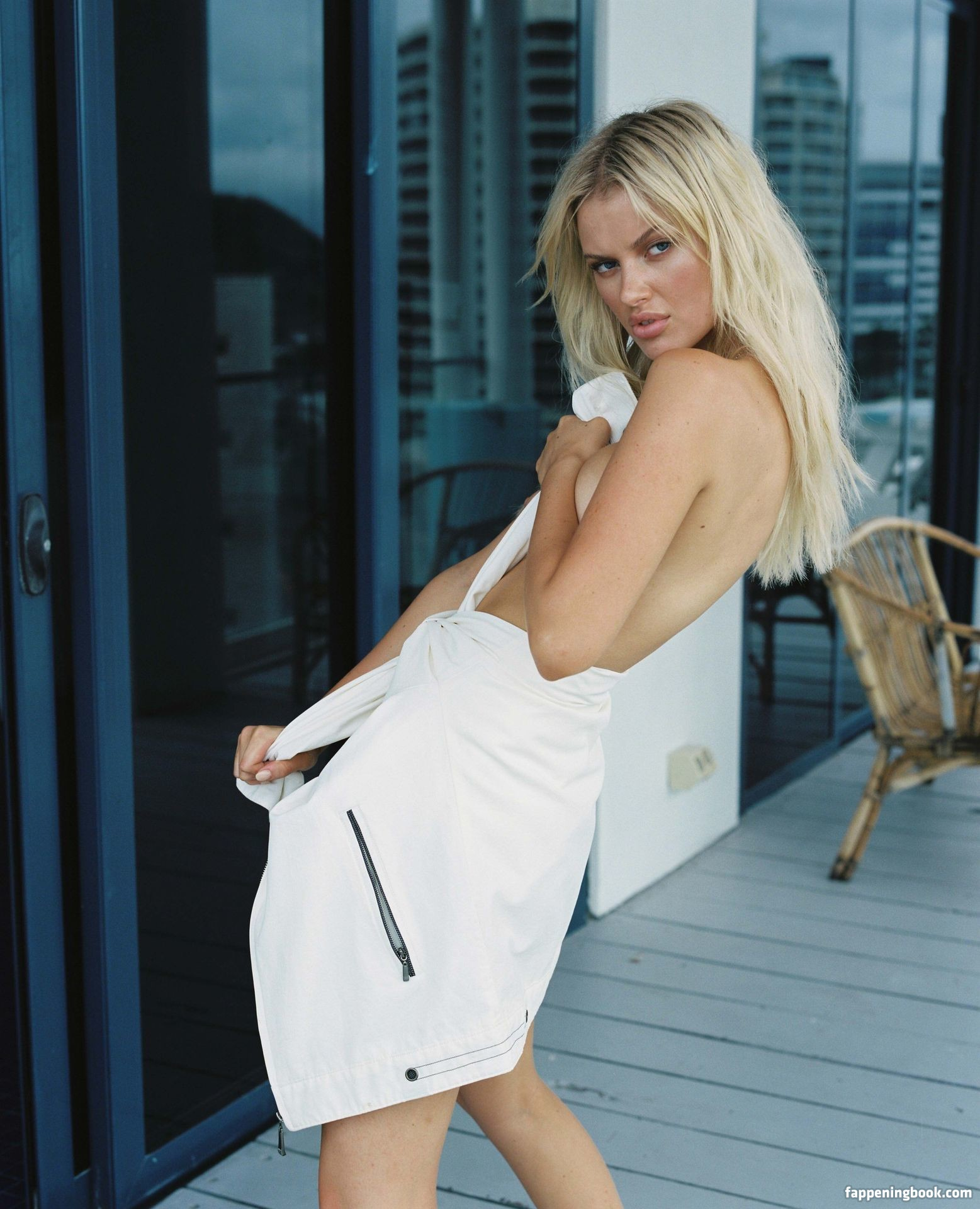 nackt Russell Elodie 41 Hottest