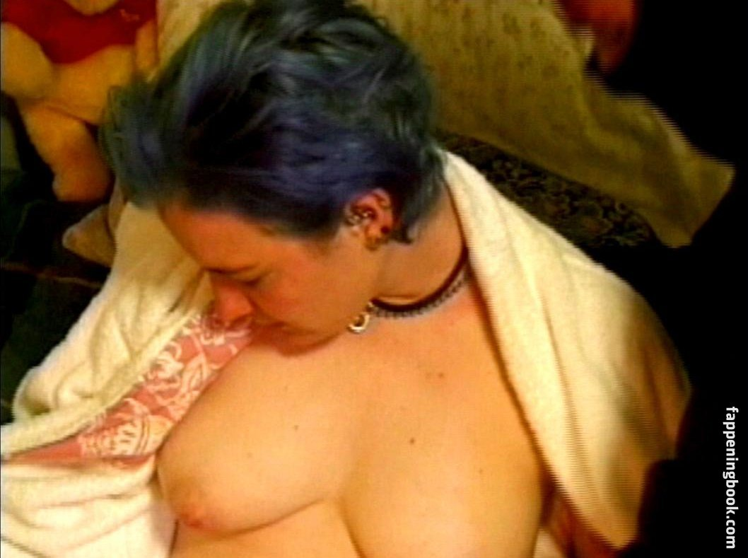 Emily Haack  nackt