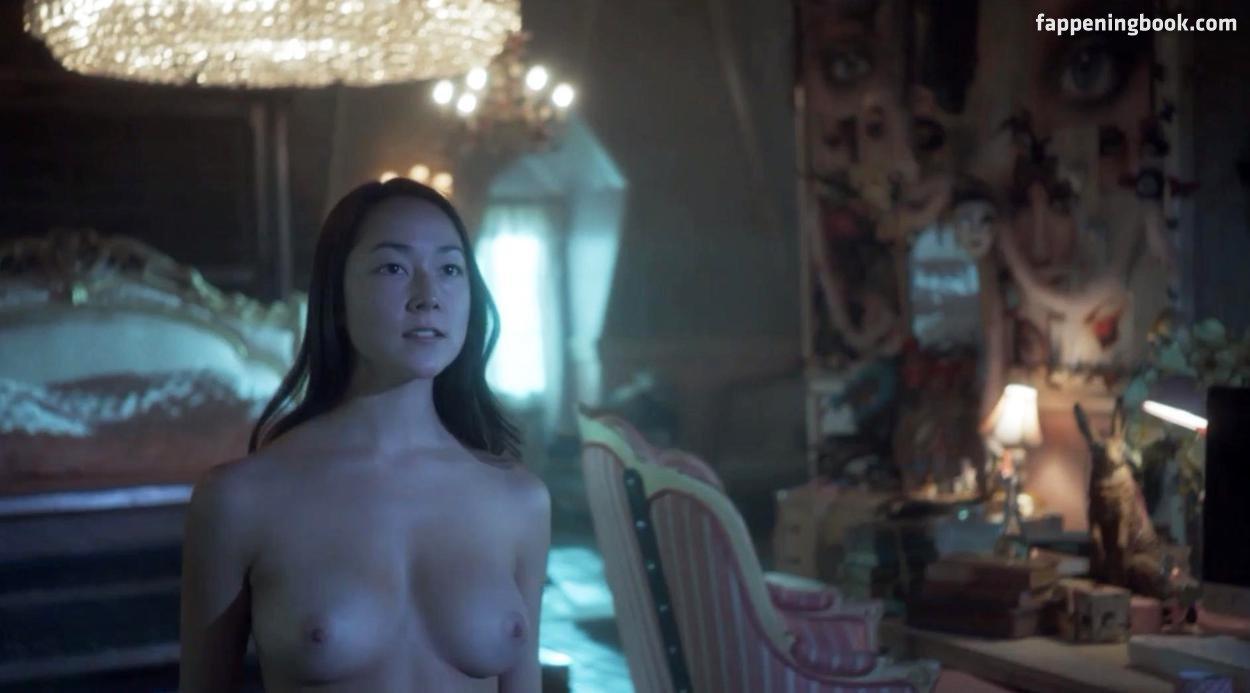Nackt Emily Piggford  Fame
