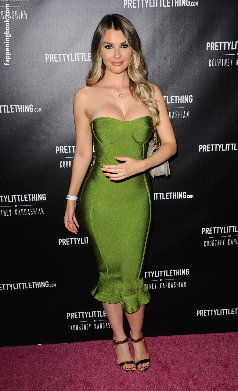Emily Ratajkowski Nude, Sexy, The Fappening, Uncensored