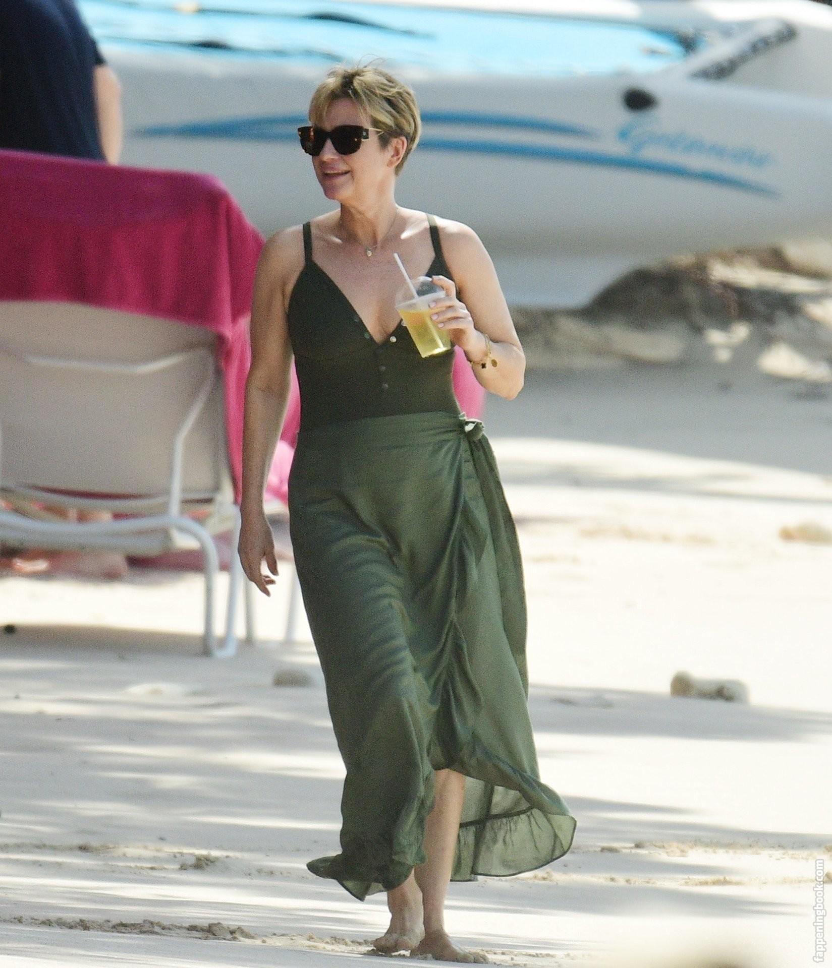 Emma nackt Forbes Emma Watson