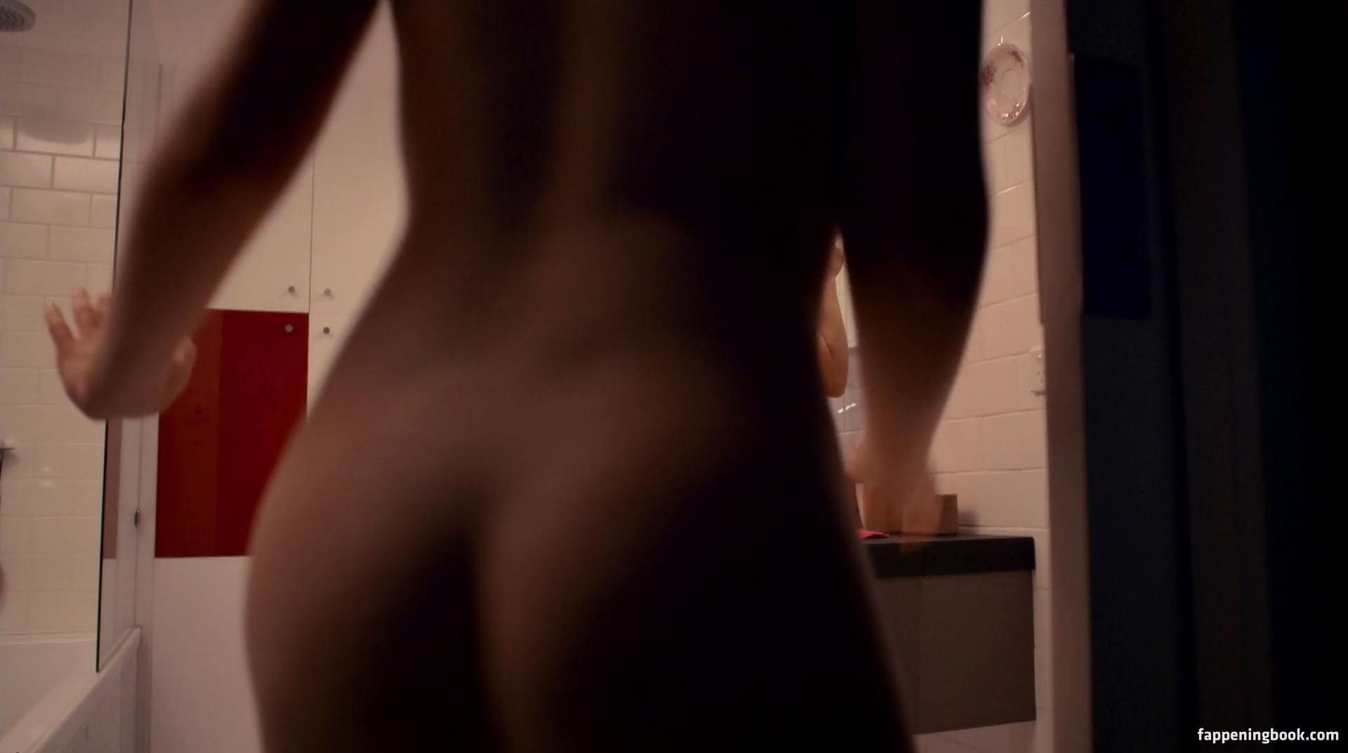 Emma Griffin  nackt
