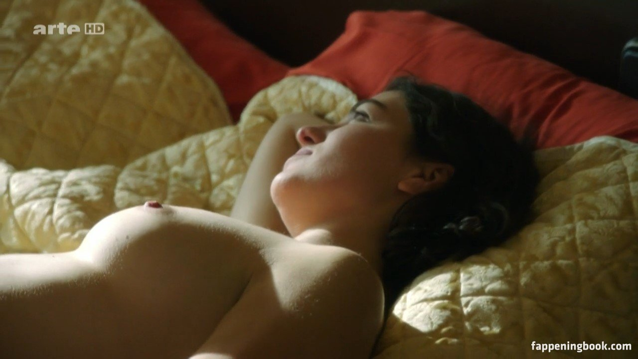 Esther Zimmering Nude