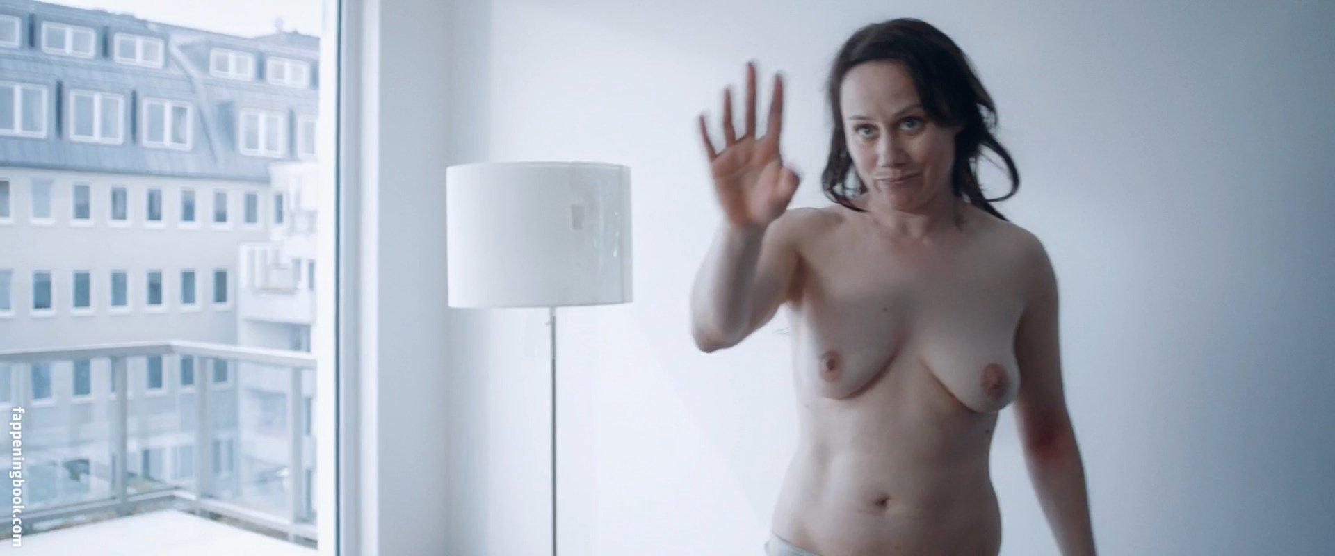 Nackt michaelsen jeannine Laura Finoshina