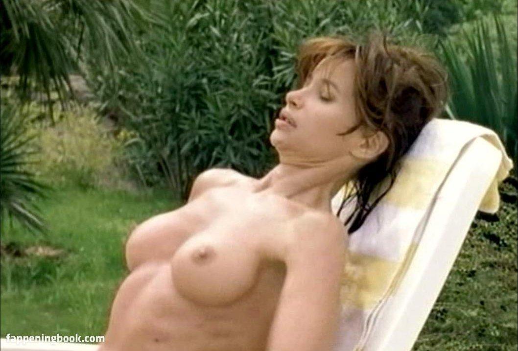 Zoey Zamarripa  nackt