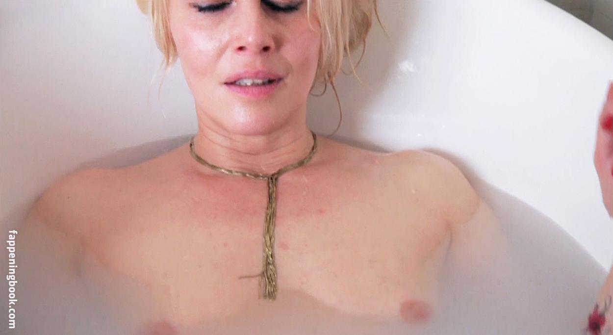 Soledad Ainesa  nackt