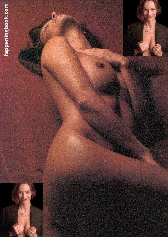 Miriam Hie  nackt