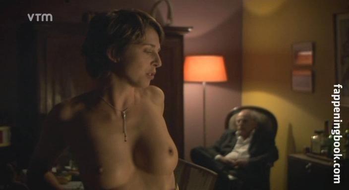 Lynne Marie Stetson  nackt
