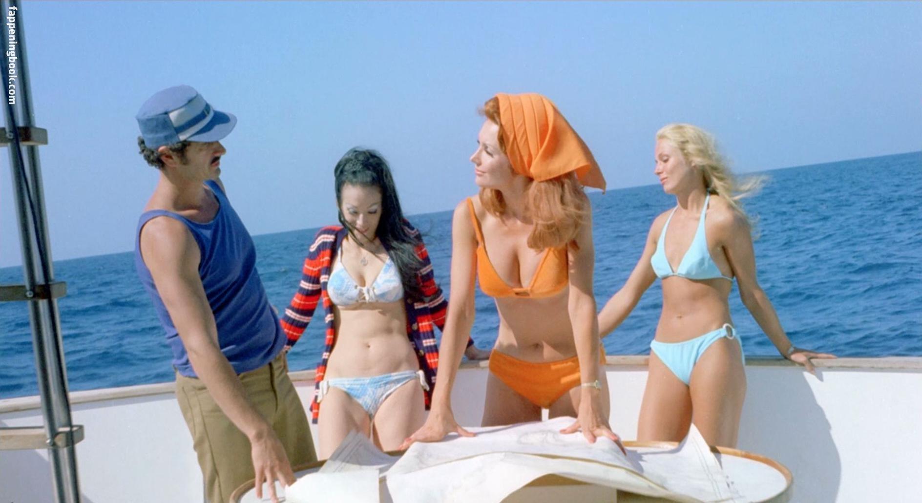 Swimwear Lisa Moreno Nude HD