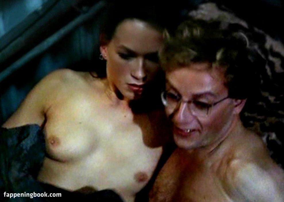 Naked franka potente Anna Faris