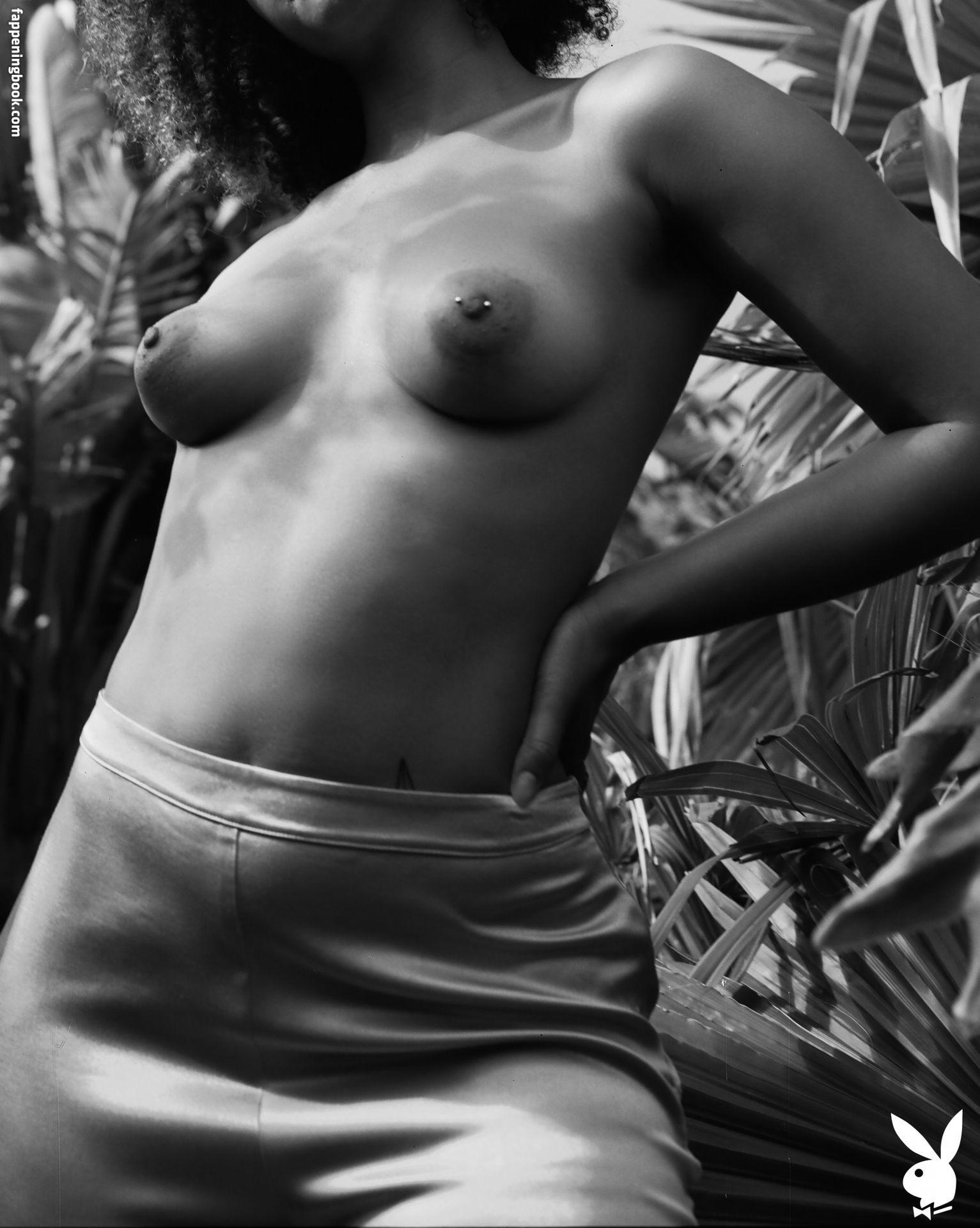 Gillian Chan  nackt